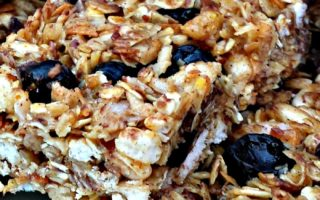 Blueberry Coconut Granola Bars #backtoschool #homemade