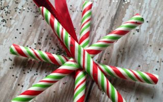 straw-snowflake-ornaments-striped