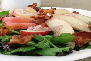 Apple-Bacon-Spinach-Salad-Featured