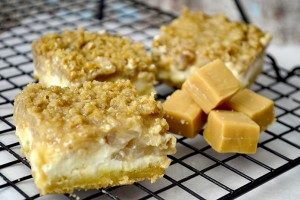 salted-caramel-apple-cheesecake-bars-1-300x200