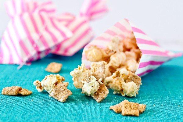 cinnamon-toast-crunch-popcorn-600-2-of-4-600x400